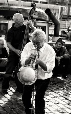 Músicos del Jazz en Blanco y Negro