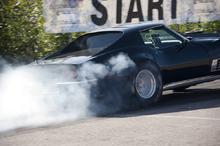 Corvette Negro Derrapando